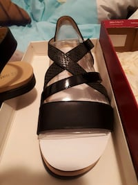 Naturalizer sandals BRAND NEW London, N6A 3C7