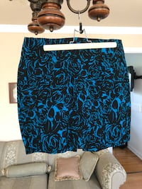 Women skirt size 11 worn twice Laval, H7S 1C2
