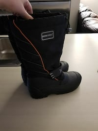 pair of black leather boots for 45°snow Edmonton, T6T 0N7