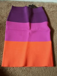 BCBG SKIRT SIZE SMALL  Hyattsville