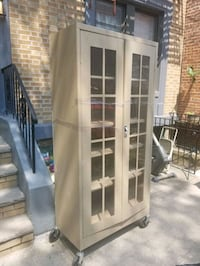 Great condition Cabinet with shelves!  Brooklyn