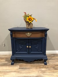 Antique Lexington painted wash stand or coffee bar stand  Los Angeles, 91344