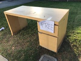 FREE DESK WITH 2 DRAWERS - COULD USE SOME PAINT / TLC