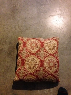 2 couch pillows