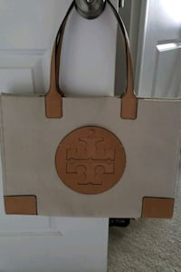 Tory Burch Canvas Tote Retail price $298 Germantown, 20874