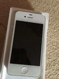 silver iPhone 5s with box Burton upon Trent