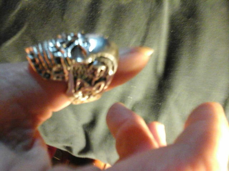 Mens size 11 skull ring heavy stainless steel 2fc97a8f-70f8-48c0-836a-86029f06d0ca