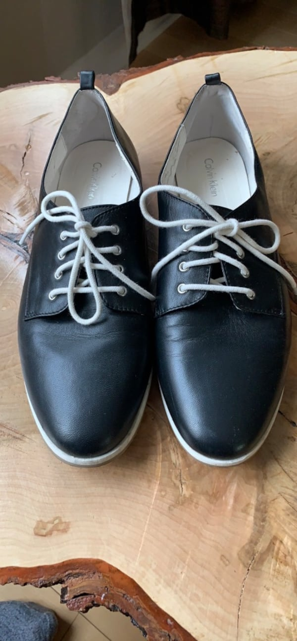 Calvin Klein Leathers oxfords size 9.5-10 10c0ea0b-64d2-4d97-be88-535e488a4fbc