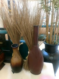 two brown wooden vase and vase Corona, 92883