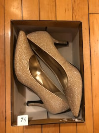 New Years gold shoes Toronto, M6P 2G6