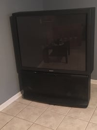 Black rear-projection tv Morton Grove, 60053