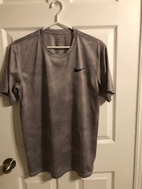 Nike active top Mississauga, L5J 1W3