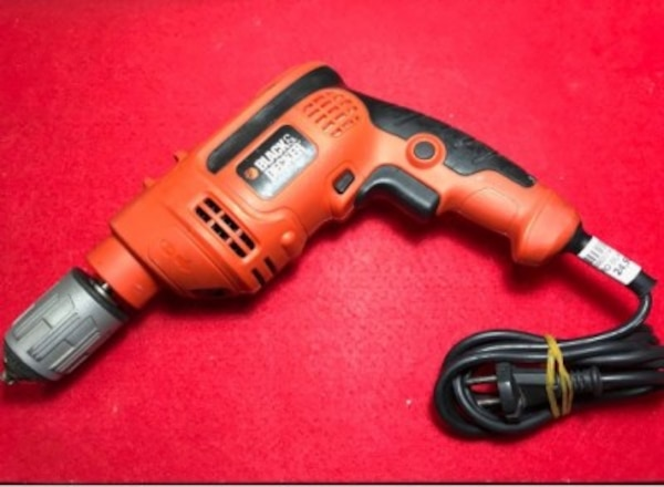 Taladro Black & Decker 710W