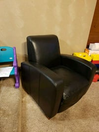 black leather padded sofa chair Oklahoma City, 73139