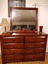 Nice wooden white dresser with hutch/shelves , all Annandale, 22003