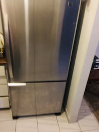 stainless steel top mount refrigerator Laval, H7G