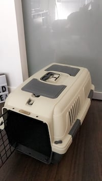Brand new carrier/crate Toronto, M6K 0A7