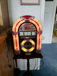 Jukebox radio and auto cassette player  Wills Point, 75169