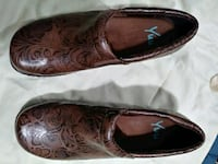 pair of brown leather flats Mableton, 30126