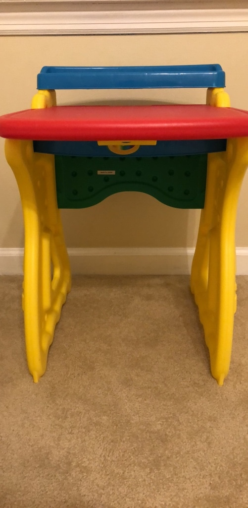 used crayola art desk for sale in dunwoody letgo rh gb letgo com used art desk for sale chautauqua industrial art desk for sale