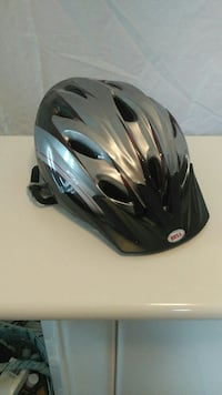 Bell bicycle helmet new cond. 15$
