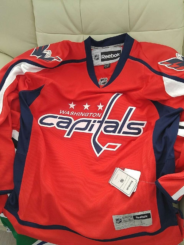 reputable site 2f2bb 213d3 red and black Reebok Washington capitals jersey