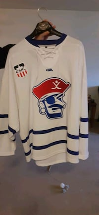 BNWOT Des Moines Buccaneers Official USHL Hockey Jersey