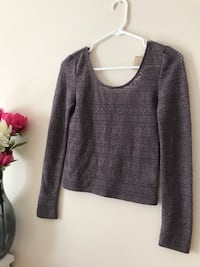 American Eagle brand new with tags long sleeve longer crop. Size Small  Kelowna, V1W 4T4