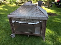 Black and gray graco pack n play Pitt Meadows