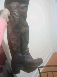 Ladies thigh-high zip up boots Indianapolis, 46203