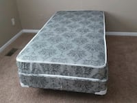 white and gray floral mattress Monroe, 48161