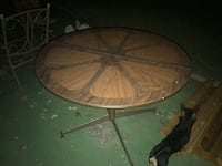 Kitchen table with an extra leaf   San Antonio, 78227