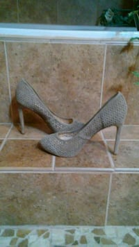 Brand new. Faux suede Nine West sz8. Stafford, 22554