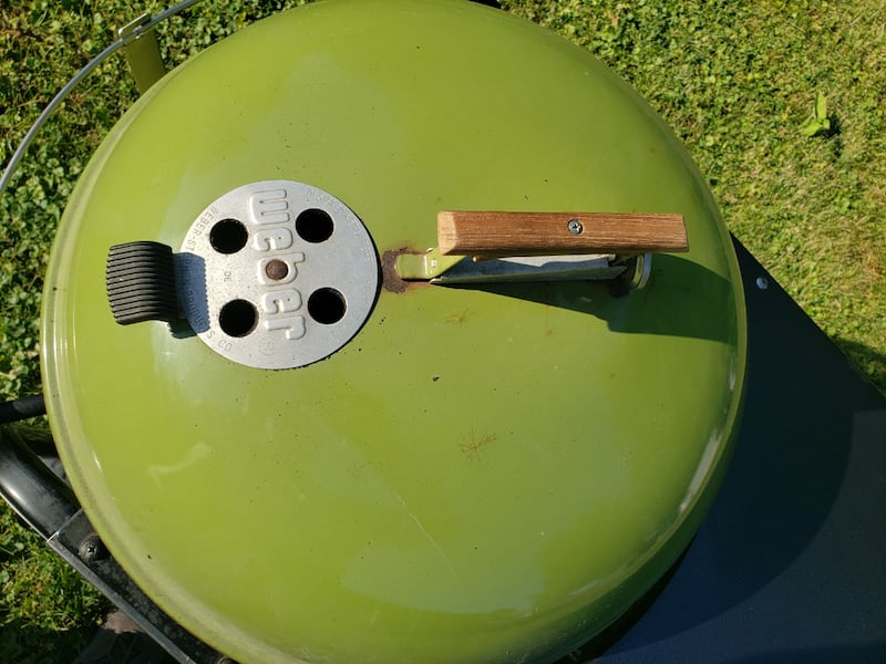 Grass green Weber performer  3