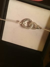 silver chain link necklace with round pendant Winnipeg, R2V 1B2