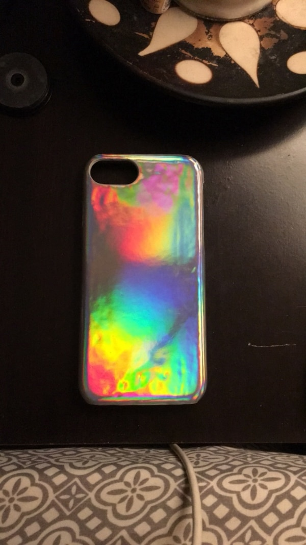 purchase cheap 3bdd3 74bd6 Forever 21 Silver Iridescent iPhone 6/6s/7/8 Case-Silver