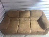 3 seater couch Chantilly, 20151