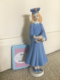 "NEW Graduate ""Growing Up Girl"" figurine, Blonde Germantown, 20874"