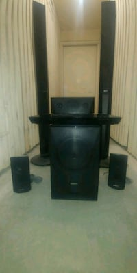 7 piece Sony surround sound entertainment system Guelph, N1G 1V4
