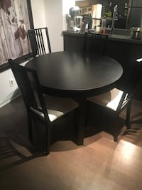 IKEA extendable table and 4 chairs Toronto, M4Y 1G1
