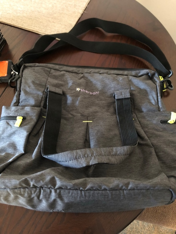 Yoga bag with many pockets