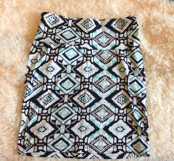 0104047bbeb5 Used Black and blue tribal print skirt for sale in Tulsa - letgo