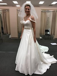 Wedding dress, size 6, accompanying slip, veil, satin gloves, and tiara. Worn once. 5 months ago. Preserved and cleaned. Excellent condition! Dunn Loring, 22027