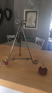 Candle snuffer & frame stand  Parker, 80138