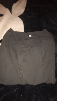 LIKE NEW SZ 8 lulu lemon pants