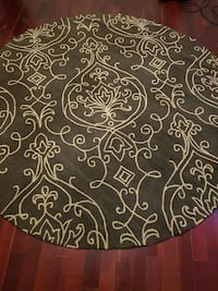New round rug  St. Catharines, L2M 6Y5