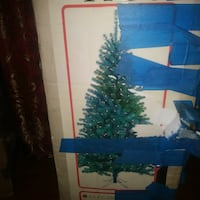 Christmas tree in very good condition.