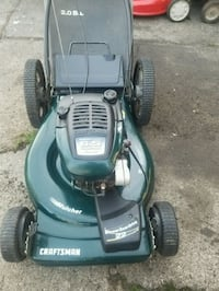 Craftsman mower self-propelled with a bag