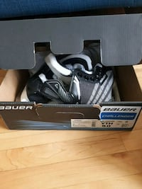 black-and-gray Bauer ice skates box Hamilton, L8K 4X4