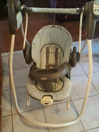 baby's white and gray Graco swing chair El Paso, 79932